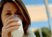 Пить молоко утром