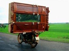 У вас продается славянский шкаф с доставкой, но без сборки?